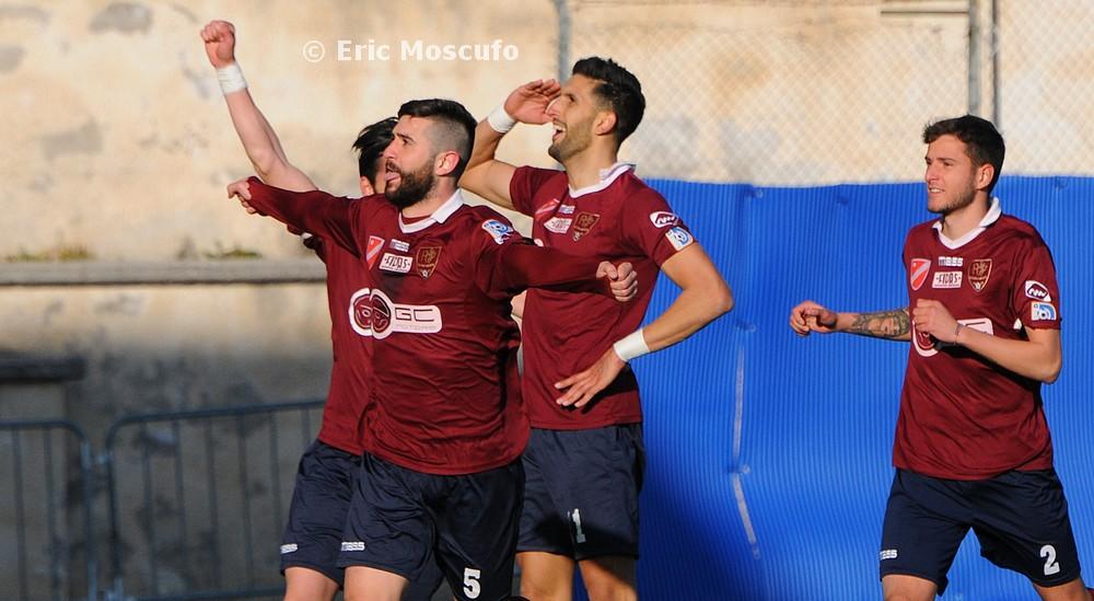 Esultanza Acosta dopo gol 3-0