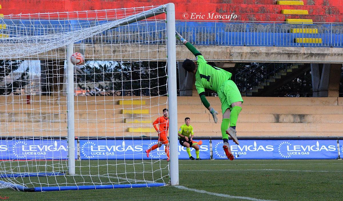 il grandissimo gol di Esposito