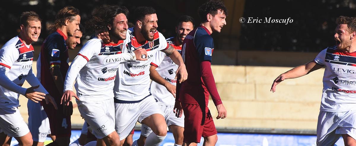 Esultanza Campobasso dopo 3-1