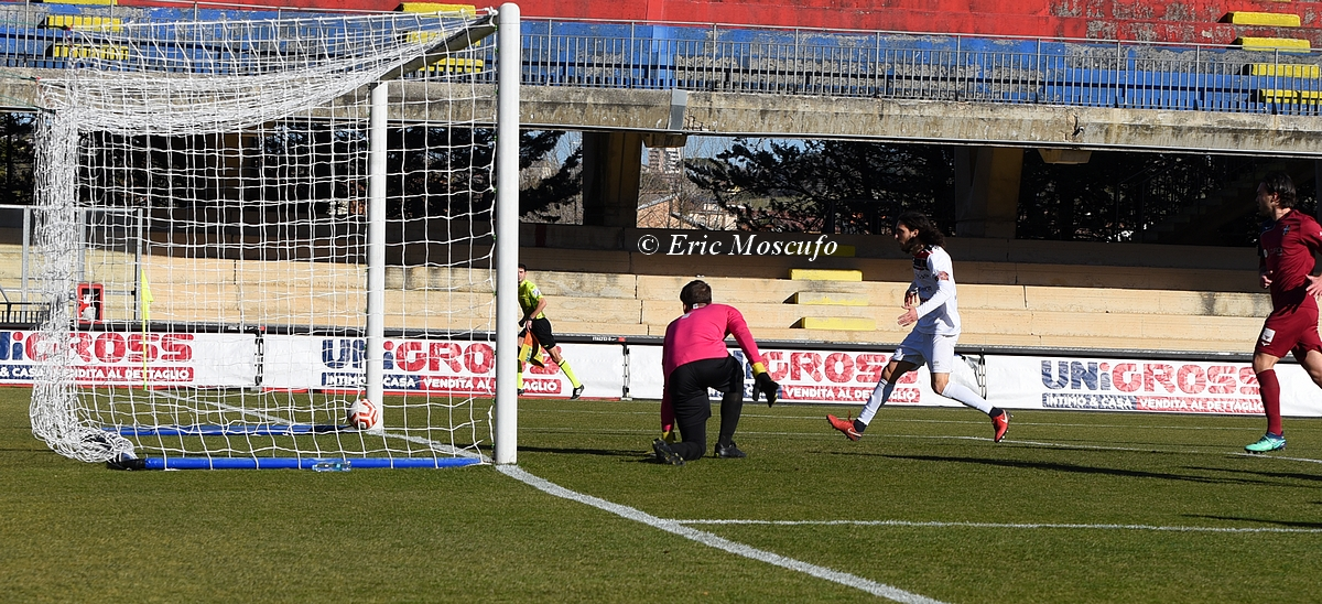 Gol 1-1 Esposito